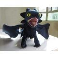 Мягкая игрушка большой дракон Беззубик (Ночная фурия) дышит огнем